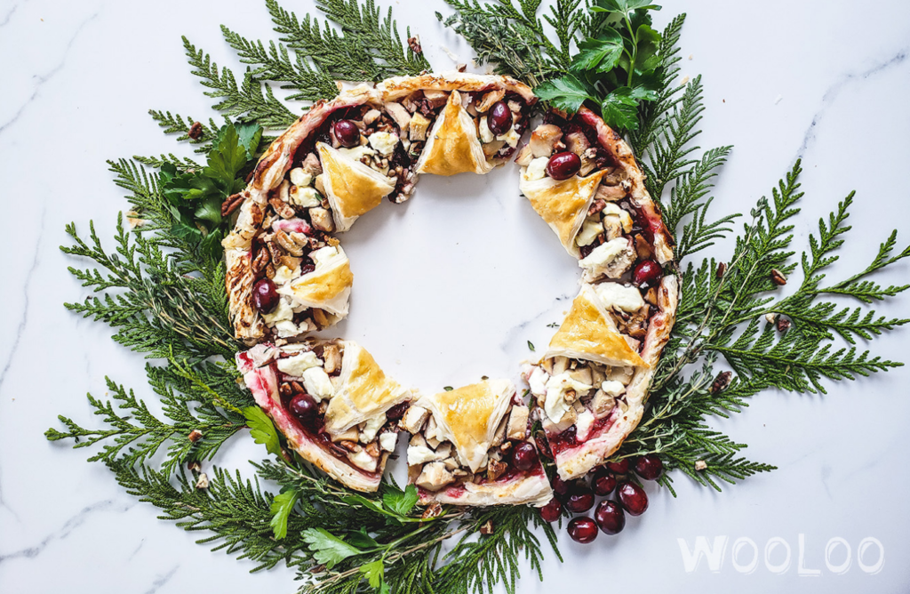 puffed christmas wreath with turkey, goat cheese and cranberries